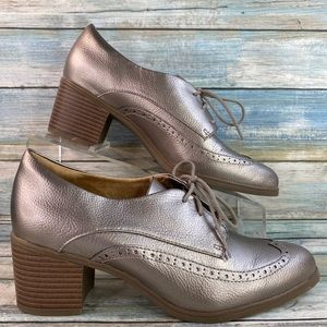 Naturalized Herlie Silver Wingtip Oxford Shoe